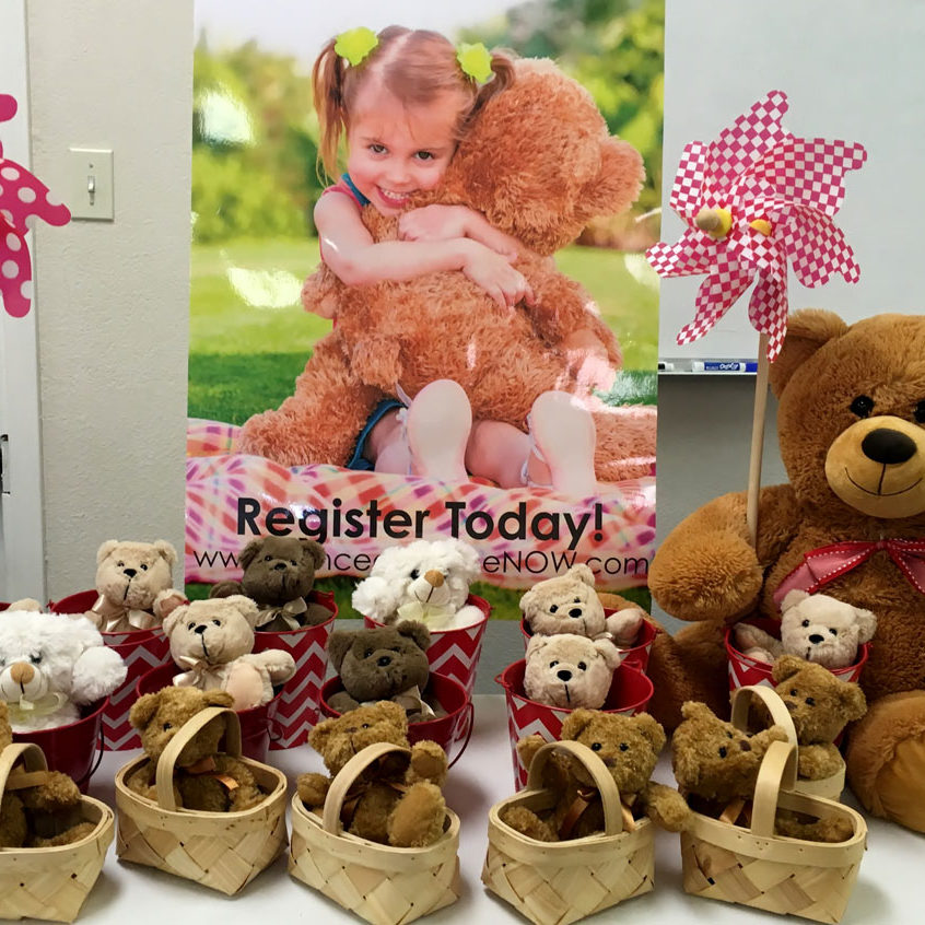 teddy bears in baskets